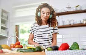 10 high-quality podcasts to concentrate to in case you love cooking